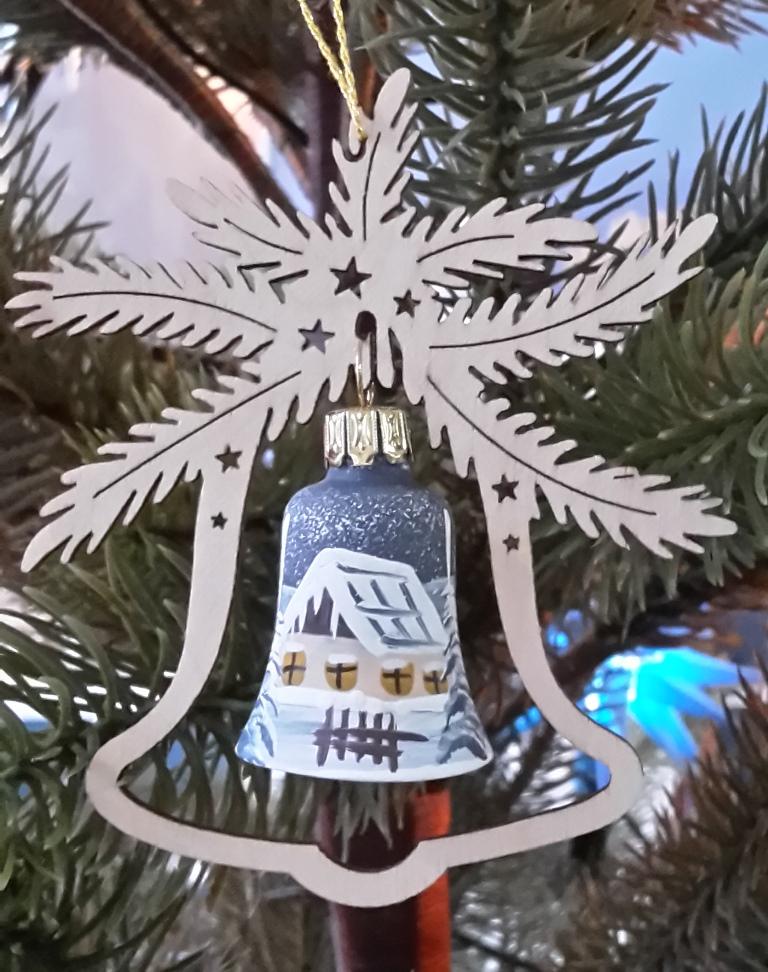 Tree decoration glass bell, winterhouse