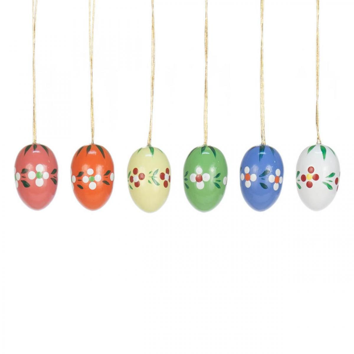 Hanging easter eggs with flower