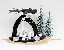 Pyramide, Christi Geburt, schwarz