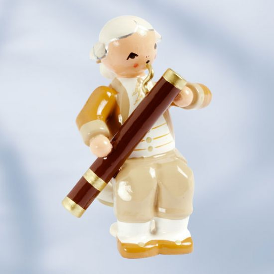 Musiker mit Fagott. sitzend