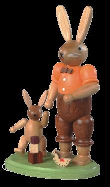Hasenvater mit spielendem Kind