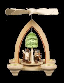 Year-round pyramid, playground for 4 tea lights