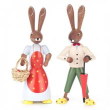 Pair of rabbits with basket and umbrella