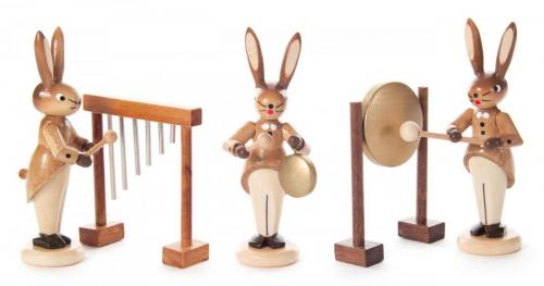 Rabbit trio with chimes, small and large gong, nature