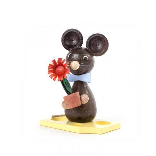 Mouse child with flowers