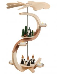 S-shaped pyramid Mountain gnome and hunter gnome, 2 floors