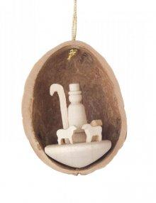 Hangings shepherd in walnut shell
