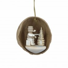 Tree Ornaments Angler in Walnut Shell