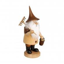 Smoker mountain gnome with rake, natural