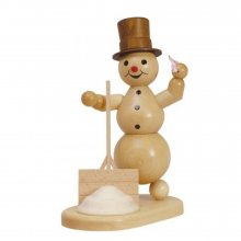 Smoker snowman with shovel and cloth